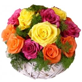 http://fleursetdesign.com/boutique/156-thickbox_choco/panier-de-roses-multicolores-livraison-fleurs-bouguenais-composition.jpg