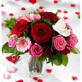 http://fleursetdesign.com/boutique/188-thickbox_choco/bouquet-fleurs-saint-valentin-rose-rouge-rose-orchidee-fleurs-exotiques-livraison-nantes-bouguenais-fleurs-exotique.jpg