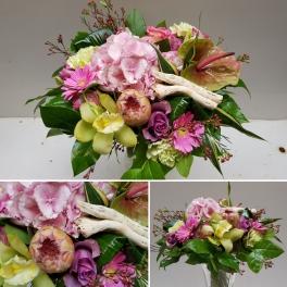 http://fleursetdesign.com/boutique/329-thickbox_choco/bouquet-fleurs-exotique-rose-anthurium-livraison-nantes-bouguenais-fete-des-meres.jpg