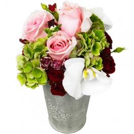 http://fleursetdesign.com/boutique/341-thickbox_choco/composition-fleurs-rose-livraison-nantes-bouguenais-fete-des-meres.jpg